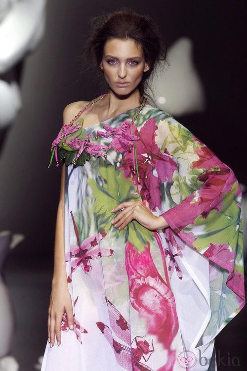 Blusón estampado de Dolores Cortés, colección primavera 2012