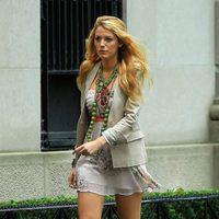 Blake Lively con zapatos de Charlotte Olympia en el rodaje de 'Gossip girl'