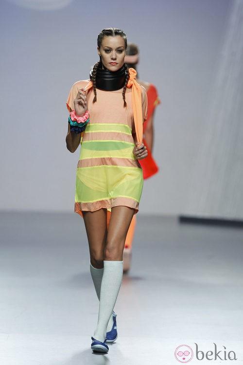 Vestido semi-transparente de Alba Cardalda en Cibeles, colección primavera 2012