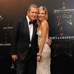 Sienna Miller y Mario Testino en los premios de la moda Moët & Chandon Étoile en Londres