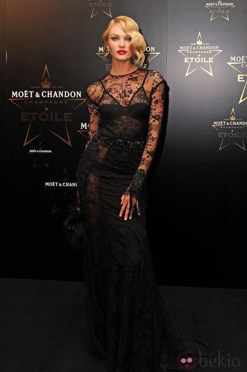 Candice Swanepoel en los premios de la moda Moët & Chandon Étoile en Londres