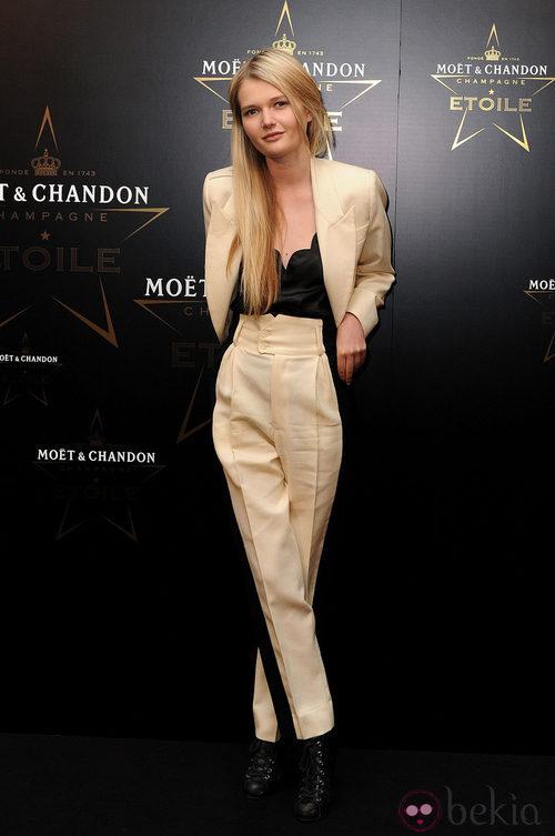 Sophie Kennedy Clark en los premios de la moda Moët & Chandon Étoile en Londres