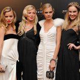 Georgia May Jagger, Clara Paget y Clara Delevingne en los premios de la moda Moët & Chandon Étoile en Londres