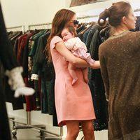 Harper Seven se va de compras con Victoria Beckham