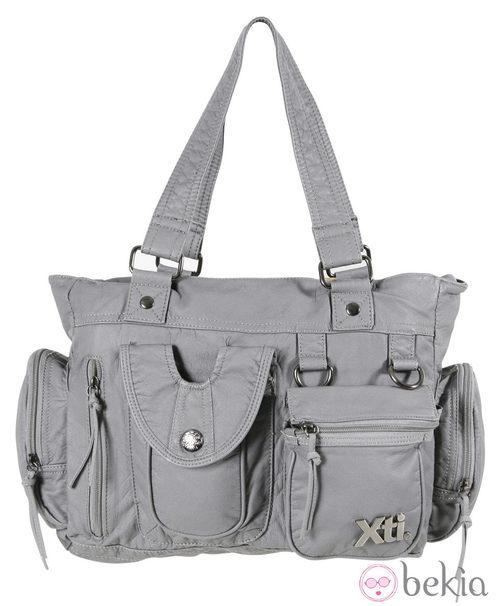 Bolso gris de cremalleras de la colección otoño/invierno 2011/2012 de Xti