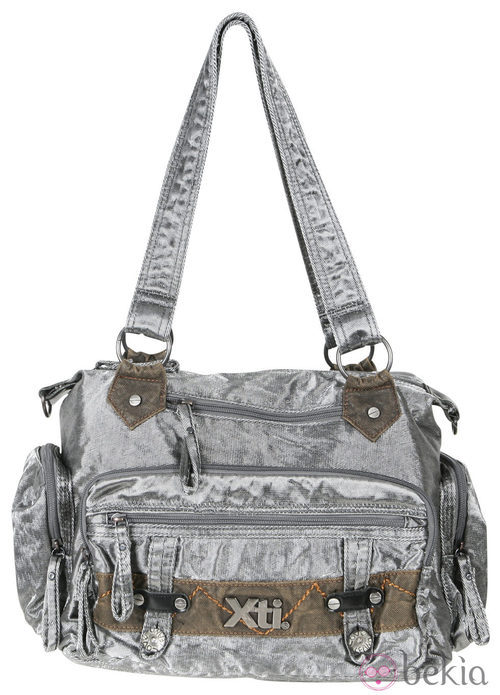 Bolso gris de la colección otoño/invierno 2011/2012 de Xti