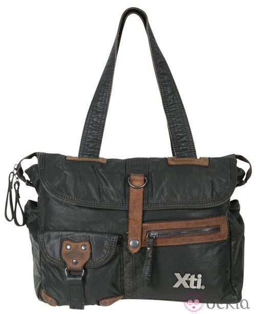 Bolso negro con detalles marrones de la colección otoño/invierno 2011/2012 de Xti