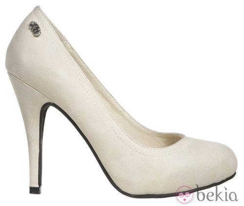 Zapato de salón color arena de la colección otoño/invierno 2011/2012 de Xti