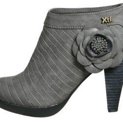 Colección otoño/invierno 2011/2012 de calzado y bolsos Xti
