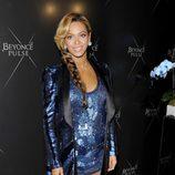 Beyoncé presenta su fragancia Pulse con un conjunto de Roberto Cavalli