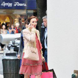 Leighton Meester con unos zapatos de Roger Vivier en el rodaje de 'Gossip Girl'
