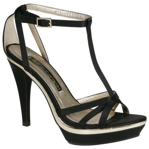 Sandalias negras con paltaforma de Lorena Carreras, colección otoño/invierno 2011