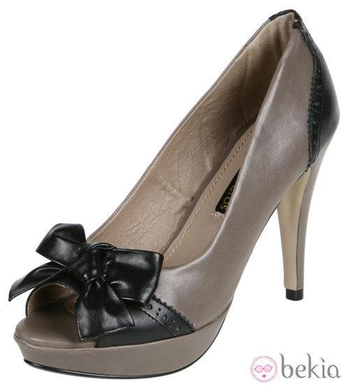 Zapatos de cuero con plataforma de Lorena Carreras, colección otoño/invierno 2011