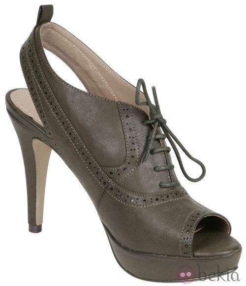 Botines peep toe verdes de Lorena Carreras, colección otoño/invierno 2011