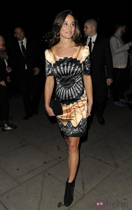 Pippa Middleton acude al desfile de Temperley en Londres