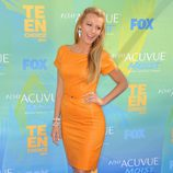Blake Lively con vestido naranja de Gucci Resort en los Teen Choice Awards 2011