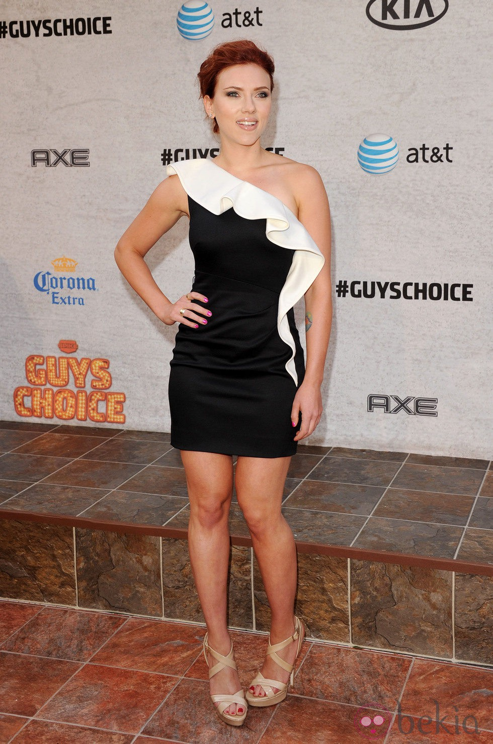 Scarlett Johansson en los premios anuales de Spike TV con vestido de Valentino