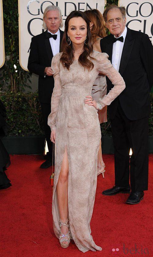 Leighton Meester en los Globos de Oro 2011 con vestido de Burberry Prorsum