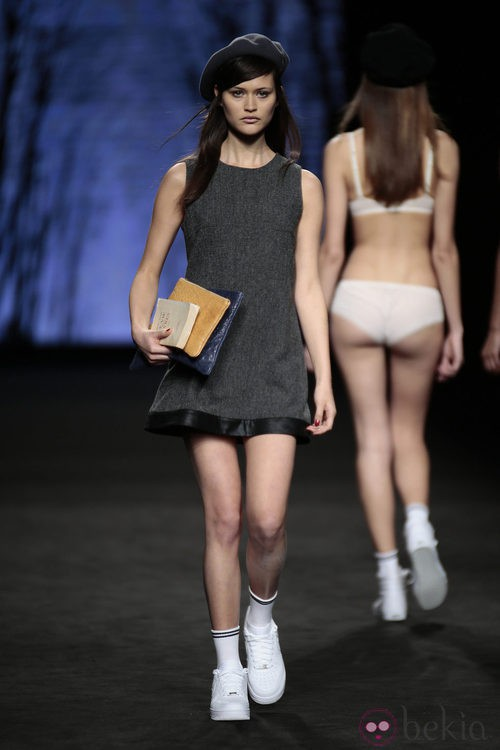 Vestido de cheviot de TCN en el desfile de la 080 Barcelona Fashion 2015
