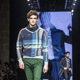 Jersey de cuadros de la colección otoño/invierno 2015/2016 de Desigual en la 080 Barcelona Fashion