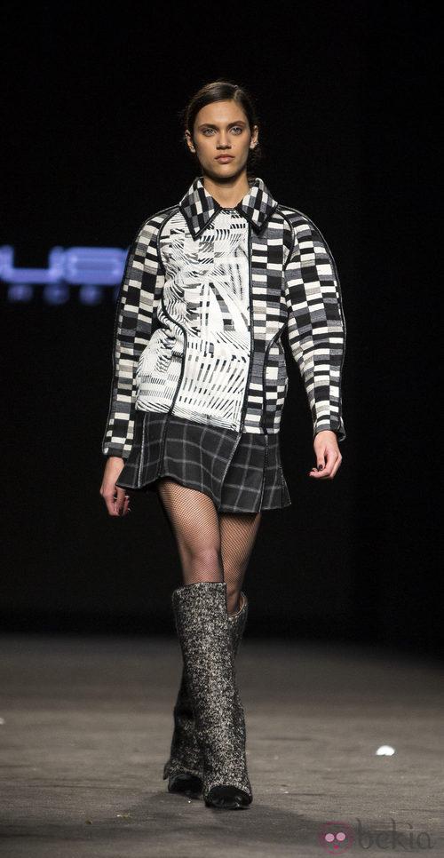 Dalianah Arekion desfilando para Custo Barcelona en la 080 Barcelona Fashion 2015