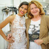 La actriz Mariam Bachir posa junto a la diseñadora Charo Ruiz en su taller