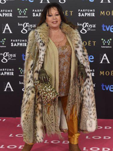 Massiel con abrigo de Miguel Marinero en la alfombra roja de los Premios Goya 2015