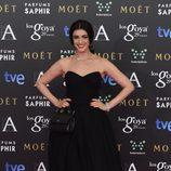 Blanca Romero con un vestido de Dolce & Gabbana en la alfombra roja de los Premios Goya 2015