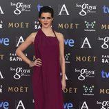 Clara Lago con un vestido de Ulises Mérida en la alfombra roja de los Premios Goya 2015