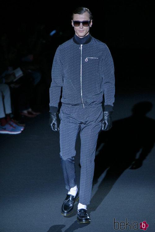 Conjunto estampado pantalón y chaqueta de Davidelfin en Madrid Fashion Week para otoño/invierno 2015/2016