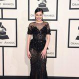 Jessie J con un vestido de Ralph&Russo en la alfombra roja de los Grammy 2015