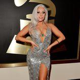 Lady Gaga con un diseño de Brandon Maxwell en la alfombra roja de los Grammy 2015