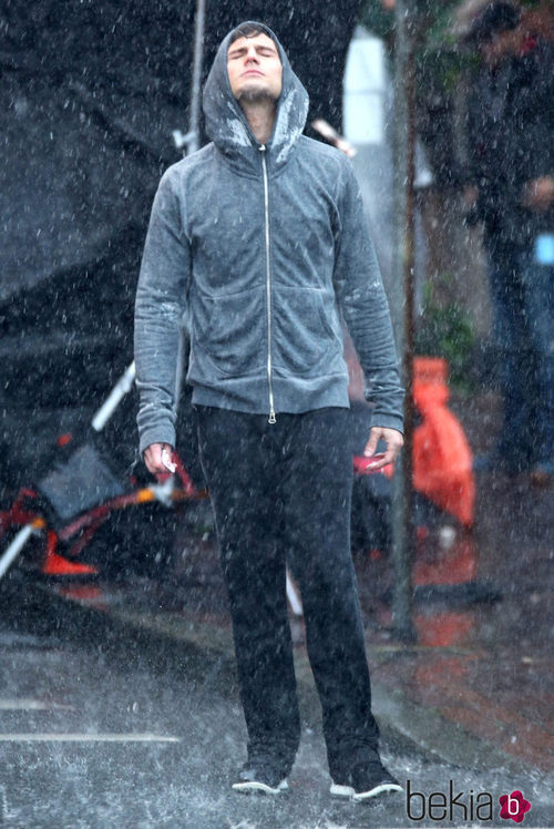Jamie Dornan con ropa deportiva interpretando a Christian Grey en 'Cincuenta Sombras de Grey'