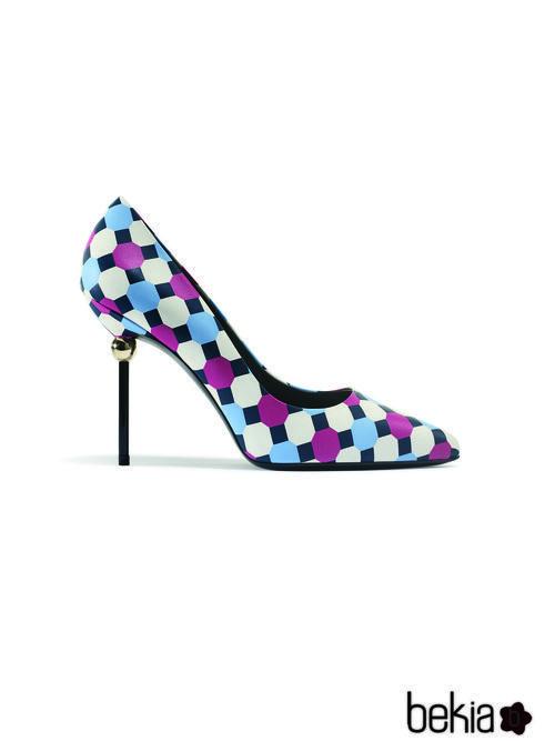 Zapato de estampado geométrico de la colección primavera/verano 2015 de Roger Vivier