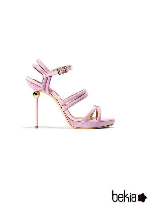 Sandalia rosa palo de la colección primavera/verano 2015 de Roger Vivier