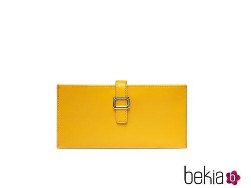 Cartera de mano amarilla de la colección primavera/verano 2015 de Roger Vivier