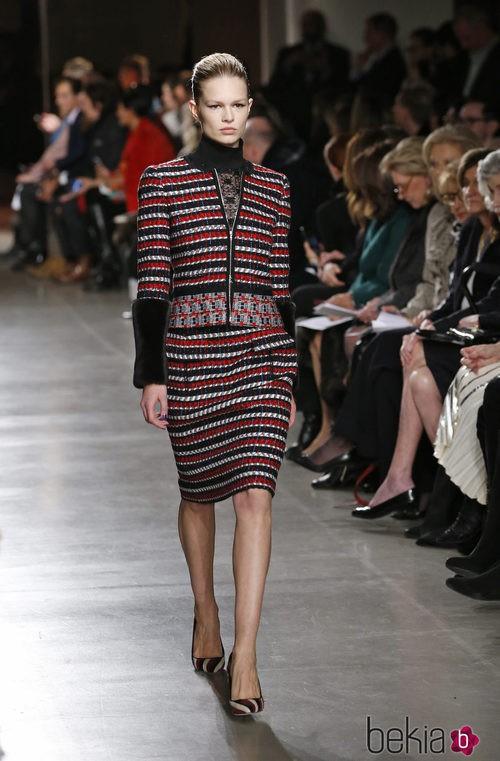 Conjunto bordado de la colección otoño/invierno 2015/2015 de Oscar de la Renta en Nueva York Fashion Week