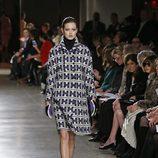 Abrigo tweed de la colección otoño/invierno 2015/2015 de Oscar de la Renta en Nueva York Fashion Week
