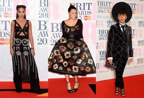 Gemma Cairney con un vestido de estampado flora en los Brit Awards 2015