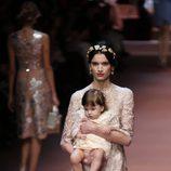 Vestido en nude con bordados de Dolce & Gabbana en Milán Fashion Week