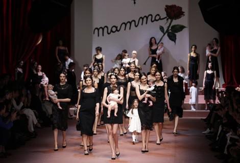 Dolce & Gabbana se inspira en la 'mamma' italiana para su pasarela Milán Fashion Week