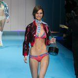 Lencería en color coral y azul de Etam en la antesala de la pasarela Paris Fashion Week 2015