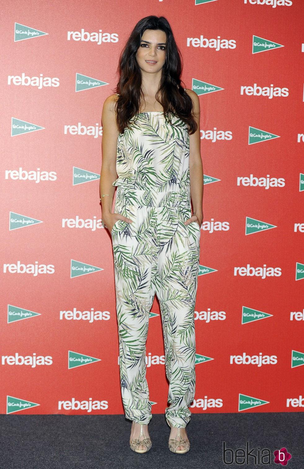 Clara Lago con un jumpsuit estampado en la presentación de las ...