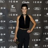 Clara Lago con un jumpsuit negro en los Premios Icon 2014