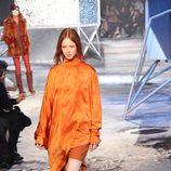 Vestido naranja de H&M en Paris Fashion Show otoño/invierno 2015/2016