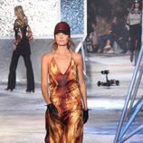 Vestido de colores solares de H&M en Paris Fashion Show otoño/invierno 2015/2016
