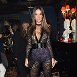 Alessandra Ambrosio con un jumpsuit de Balmain de la colección otoño/invierno 2015/2016