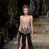 Vestido con detalles étnicos de la colección otoño/invierno 2015 de Vivienne Westwood