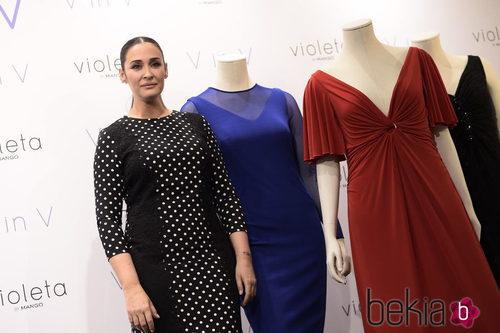 Vicky Martín Berrocal presentando su colección 'V in V' de Violeta by Mango