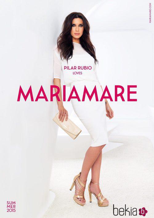 Pilar Rubio con sandalias champán de tacón de la colección primavera/verano 2015 de Maria Mare